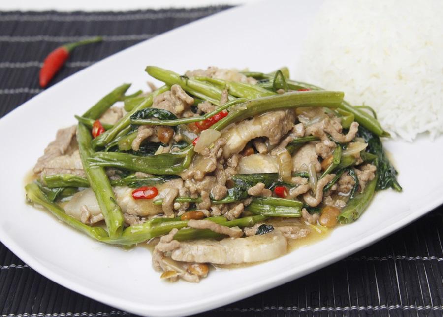 [Rezept] Phad Phak Bung ผัดผักบุ้ง (gebratener Wasserspinat)