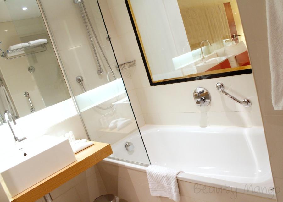 radisson-blu-frankfurt-business-hotel-zimmer-bad
