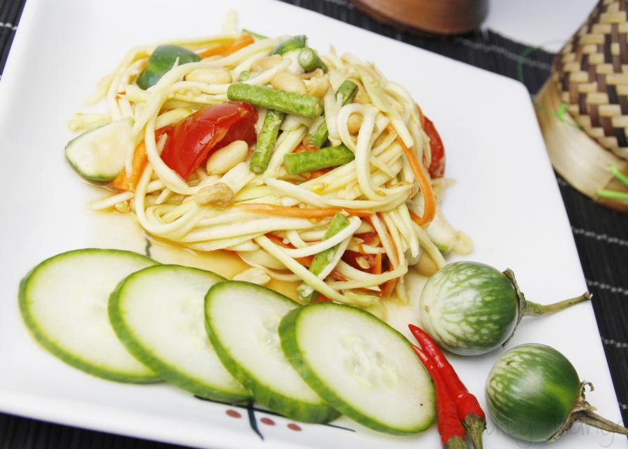 [Rezept] Som Dtam Mamuang (Thai green Mango Salad)