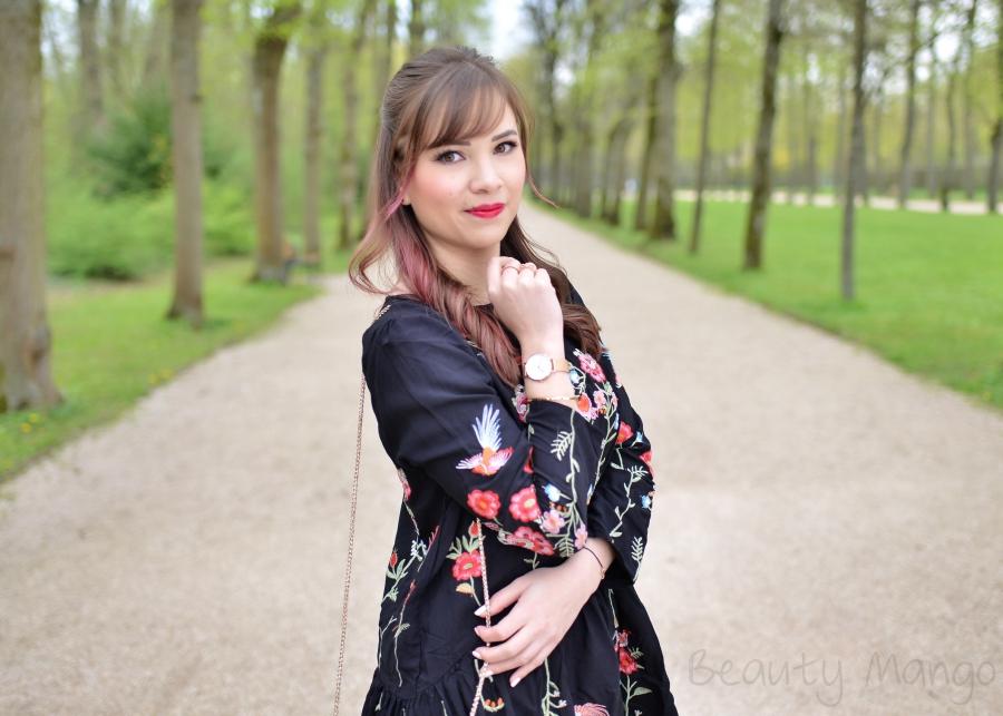 [Outfit] Besticktes Blumenkleid für den Frühling